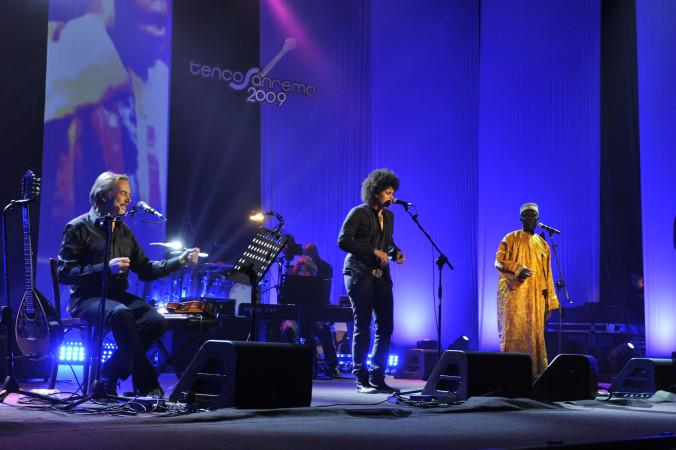© Massimo Forchino / lapresse14-11-2009 Sanremo, ItaliaspettacoloPremio Tenco - Festival della Canzone d'AutoreNella Foto: Mauro Pagani, Z-STAR, Badara SEck